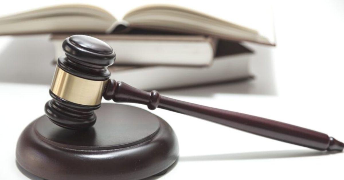 Oikeus oikeudenmukaiseen oikeudenkäyntiin